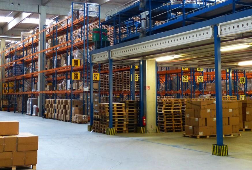 Layout de l'entrepôt : quels sont les contraintes et objectifs ?