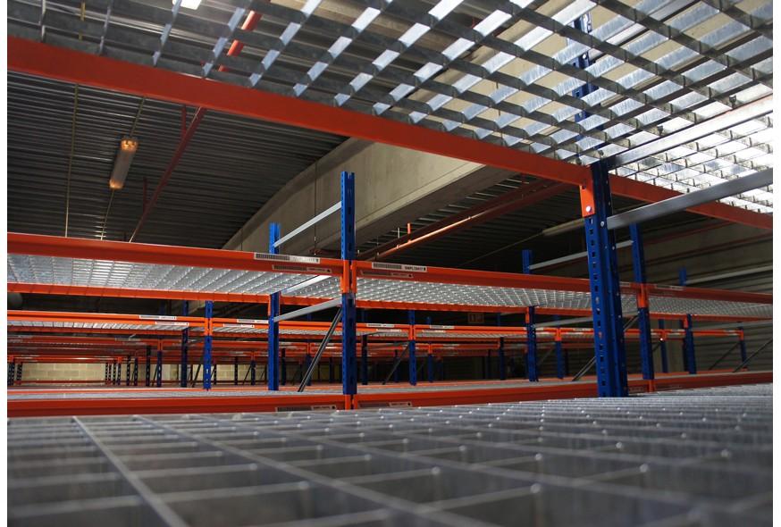 Étagères métalliques : LA solution pour votre rangement industriel